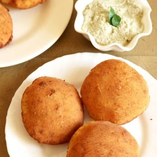 Mangalore Buns Recipe | Fried Banana Buns | Banana Puris with Video