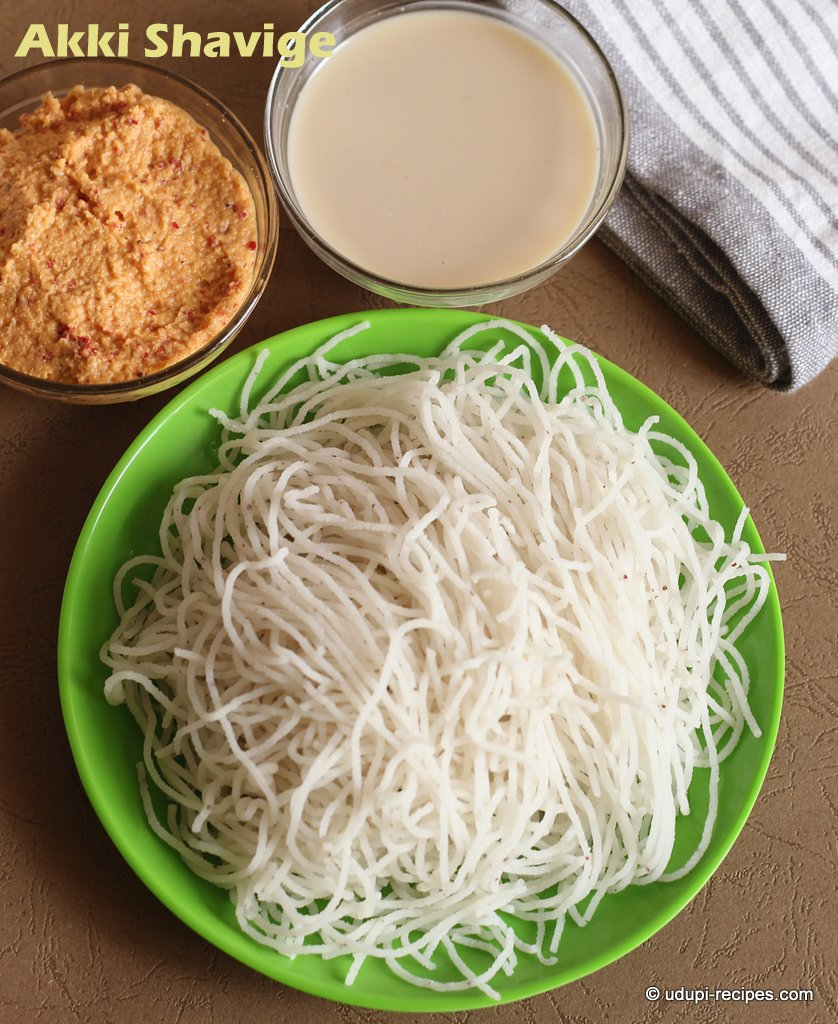 Akki shavige with coconut milk and chutney