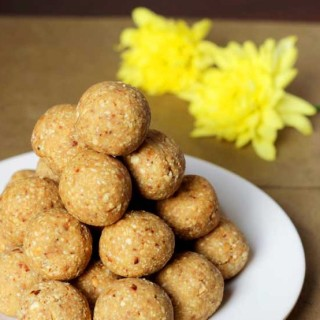Roasted Peanut Ladoo | Groundnut Laddu Recipe