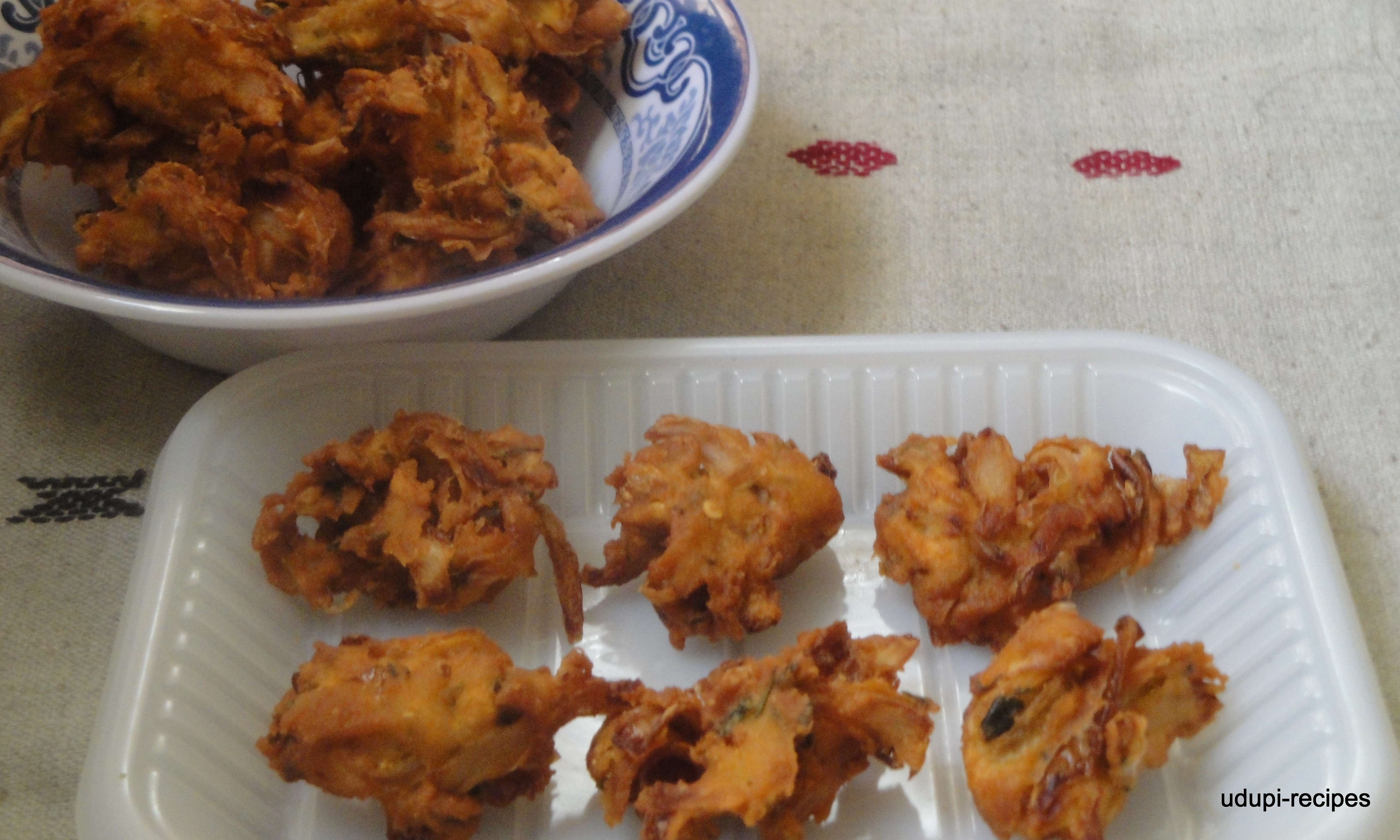Pakoda/Onion Pakoda Recipe