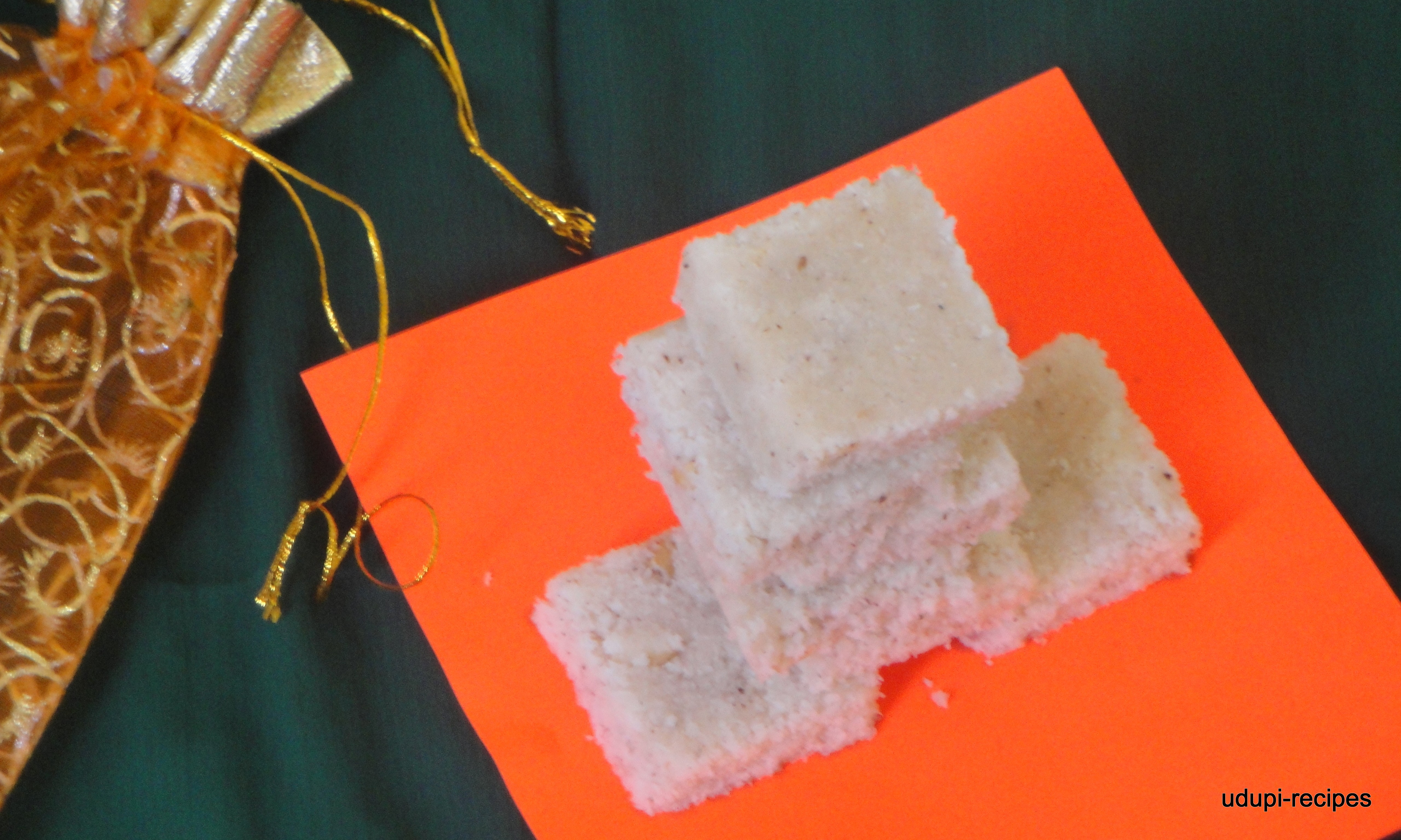 Coconut Burfi |Nariyal Burfi |Tenginakayi Burfi Recipe-Diwali Sweets