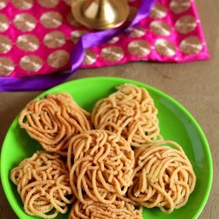 Moong Murukku | Split Green Gram Murukku | Diwali 2015