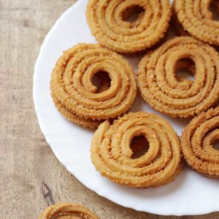 Maida Murukku | Maida Chakkuli Recipe