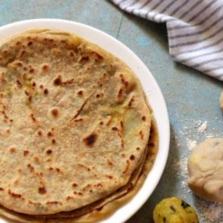 Aloo Paratha | Potato Stuffed Paratha Recipe