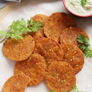 Green Lentil Nippattu | Hesarubele Nippattu Recipe